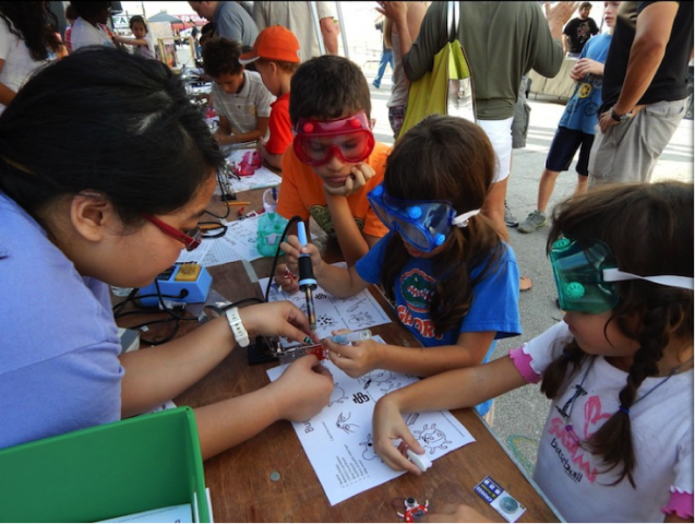 Miami Maker Faire outreach — FIU CIS Co-Produced the event. 4,000 attendees, targeted K-12 students, focus on robotics, electronics, and coding. | School of Computing and Information Sciences