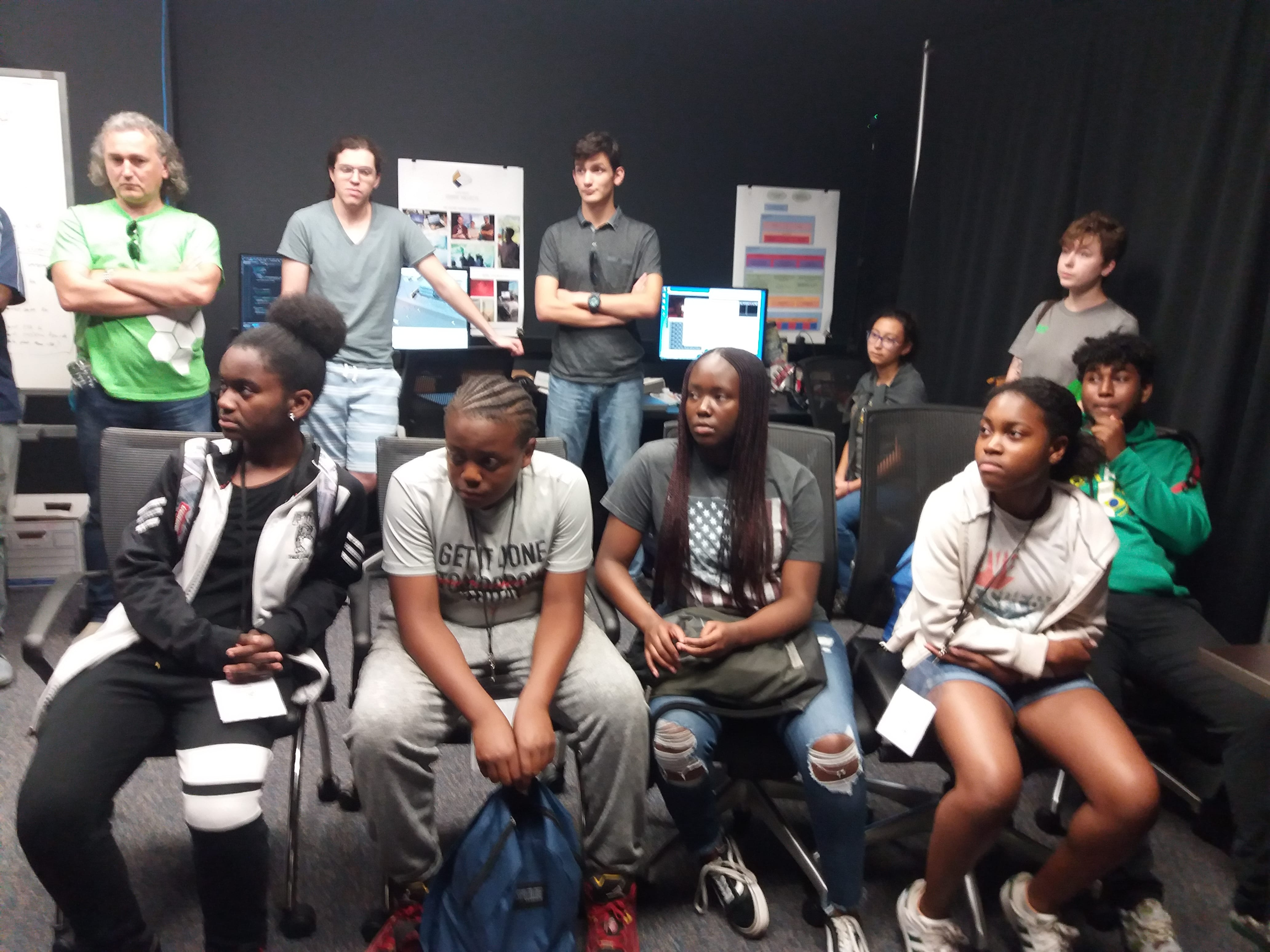 Photo of GEN2050 Summer Youth Enrichment Program visiting FIU ICAVE