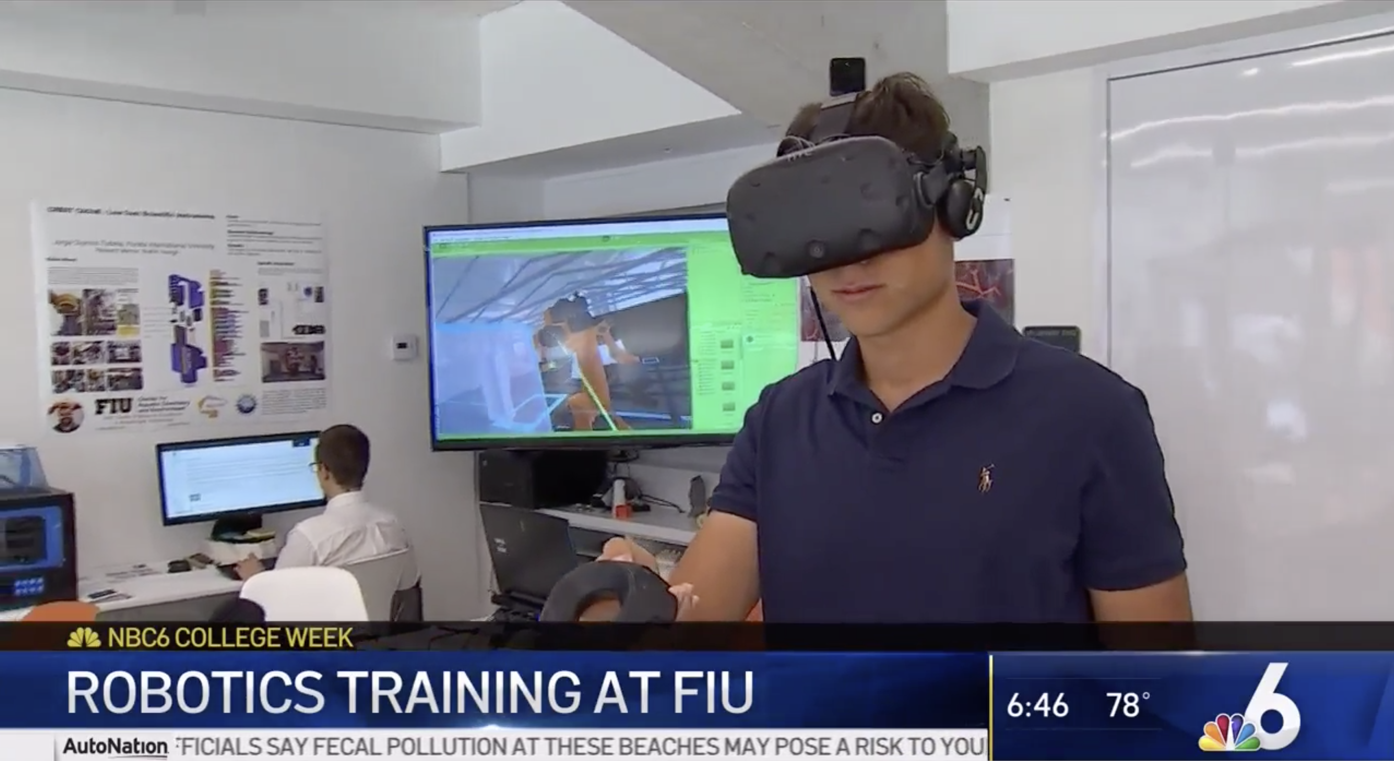 Photo of SCIS Student in VR Simulation